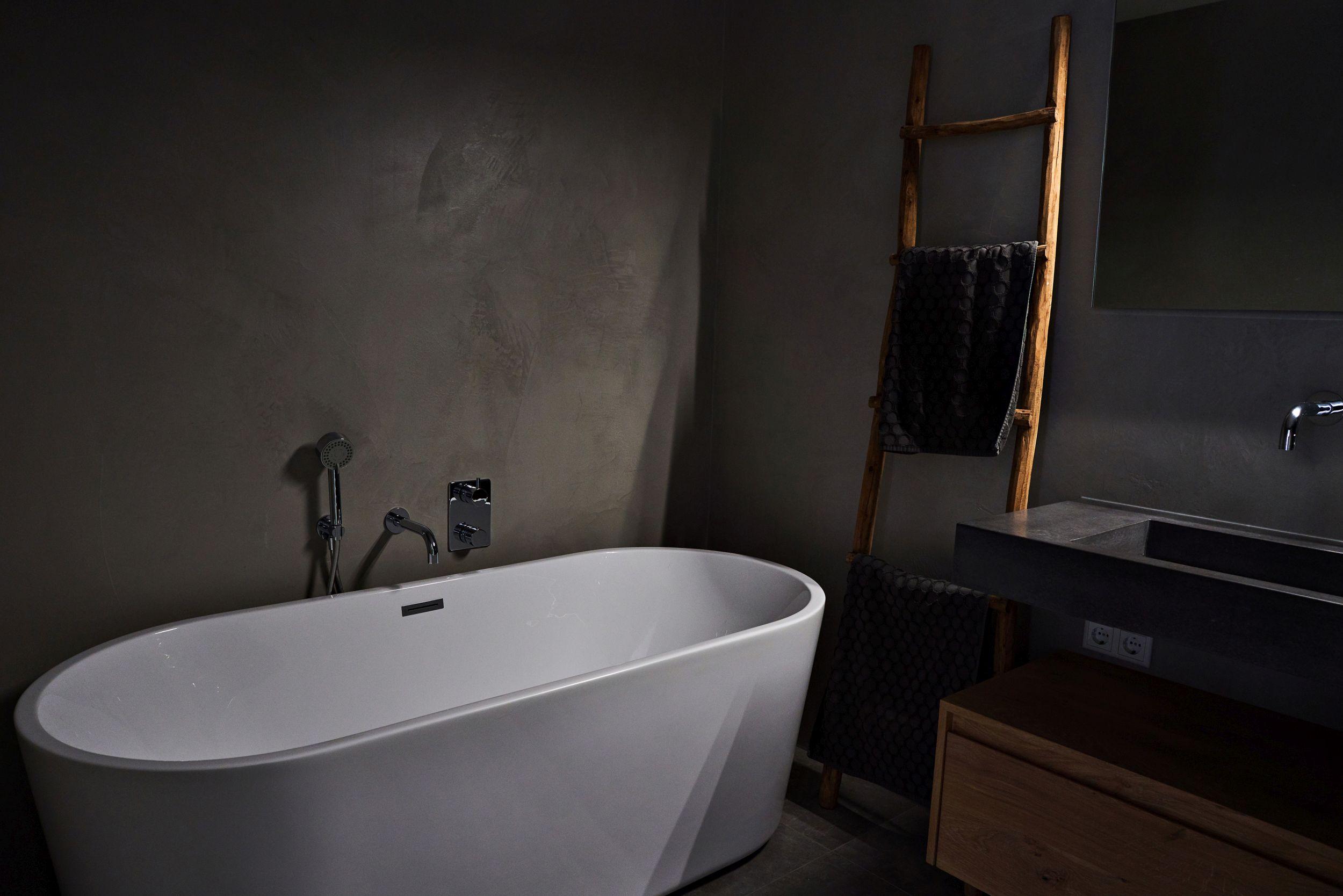 Onwijs Badkamer stucwerk in exclusieve stijl en pure kwaliteit | Erik Spakman OJ-07